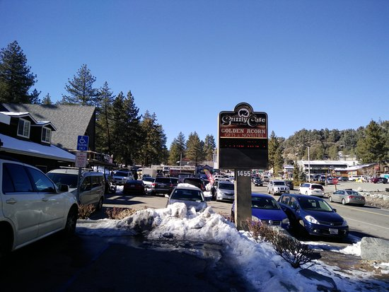 Wrightwood, CA: sign outside, parking space