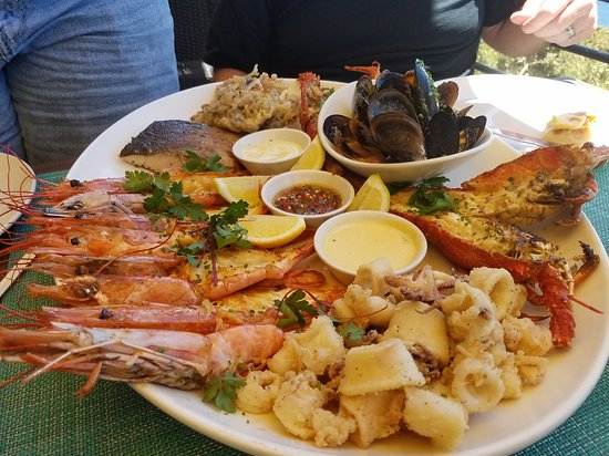 Two Oceans Restaurant: Our dinner selections