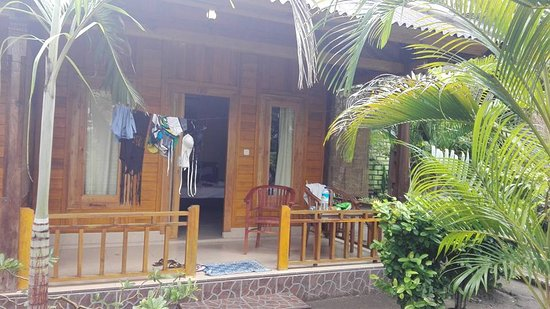 Balenta Bungalows: Did not have a photo of the room inside, it is spacious!