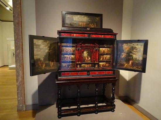 Museu Nacional de Arte Antiga: Du mobilier de grande valeur