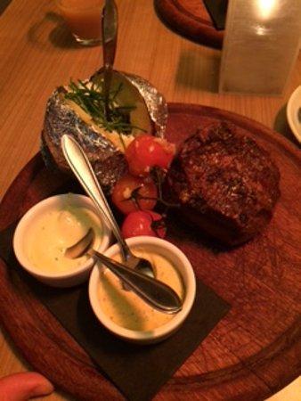 De Nachtwacht: Perfect Steak. Poor service