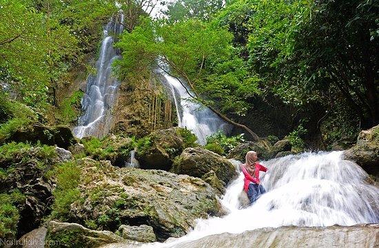 Memotret Air Terjun Sri  Gethuk  Picture of Sri  Gethuk