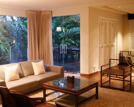 Amara Sanctuary Resort Sentosa: Larkhill Mansion   Living Room