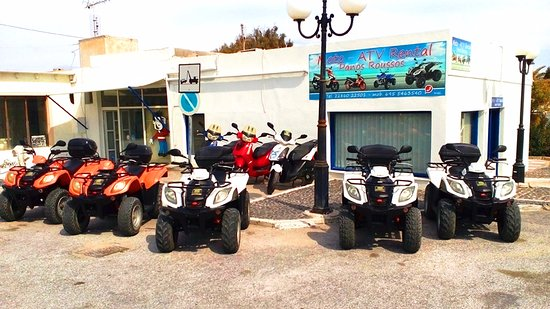 Karteradhos, Greece: Panos Roussos Scooter Rental Shop in Karterados Santorini