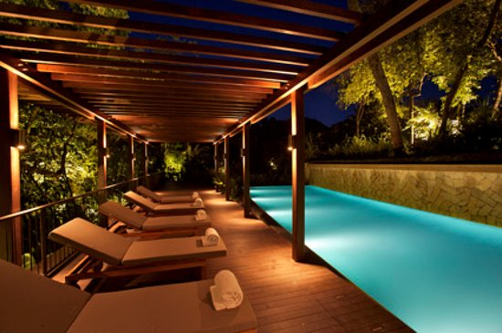 Amara Sanctuary Resort Sentosa: Outdoor Swimming Pool