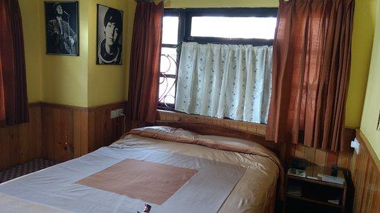 Revolver: The room Paul.