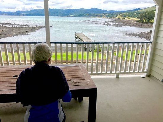 Waihau Bay, New Zealand: From the balcony of the large suite looking over the bay