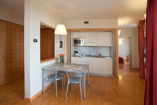 Fabulous suite camera divano letto francese cucina e bagno privato with divano letto francese - Divano letto toronto ...