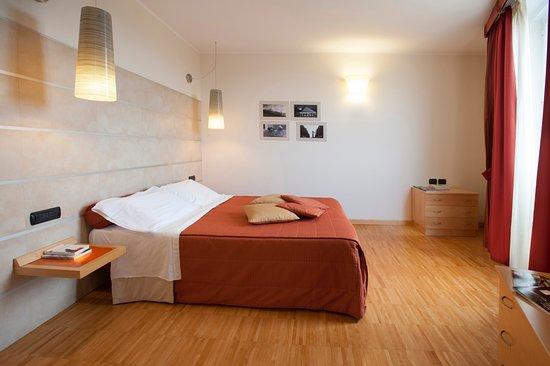 suite (camera matrimoniale, divano letto francese, cucina e bagno ...