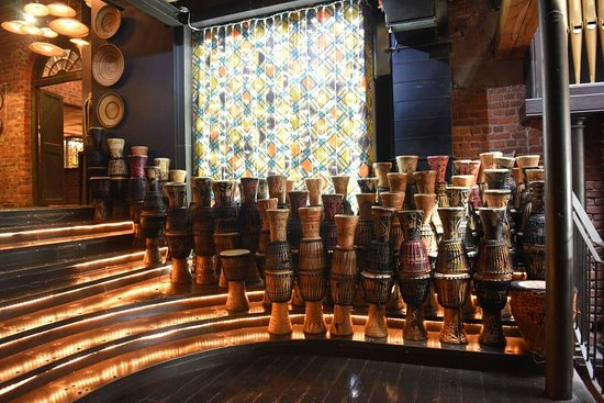 Gold Restaurant: Every night there is an interactive djembe drumming session which can be booked.