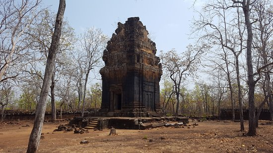 Prasat Neang Khmau: View