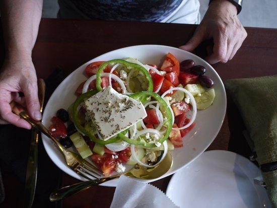 MIX Restaurant: Great greek salad. Fresh ingredients. Excellent.