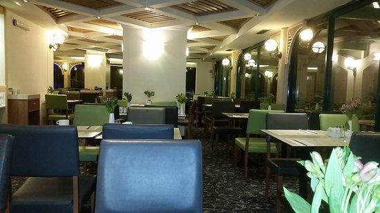 Metropolitan Hotel : 20170309_031913_large.jpg