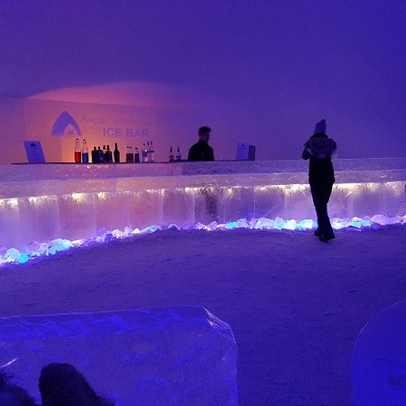 Arctic SnowHotel & Glass Igloos: sneeuw bar
