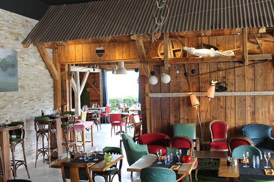 Restaurant Entre Lac Et Montagne Saint Jorioz