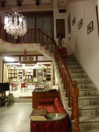 Hotel Krishna Niwas: Tastefully done interiors