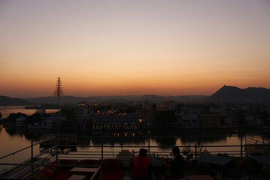Hotel Krishna Niwas: Sunrise views
