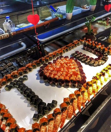 Creekside Japanese Restaurant: Valentines Day Sushi Bar