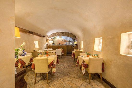 sala colazione - Picture of Hotel Residenza San Calisto, Rome ... on