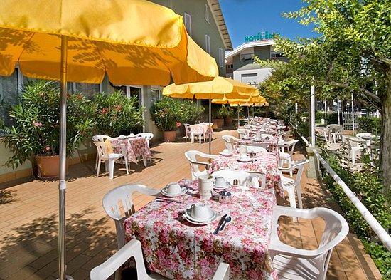 Colazione in terrazza - Picture of Hotel Eden, Riccione - TripAdvisor