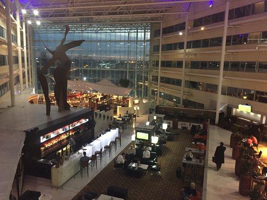 Hilton London Heathrow Airport: photo0.jpg