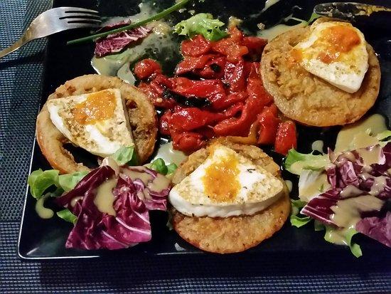 Restaurante Escondida: Gegriltter Käse mit gerilltem Paprika (+ frittierte Tomatenscheiben)