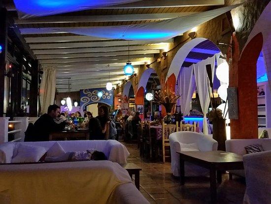 Restaurante Escondida: Blick aus der Lounge auf das Restaurant