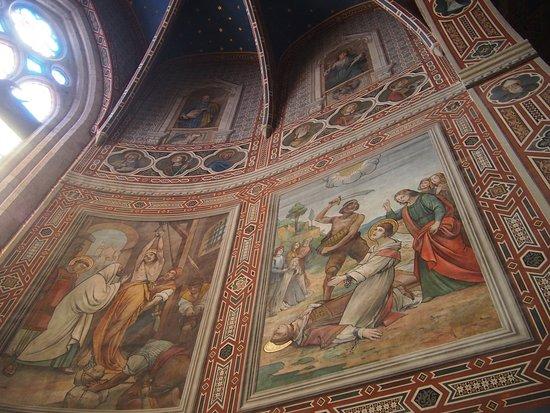 Cathedral (Duomo di Gubbio): affreschi