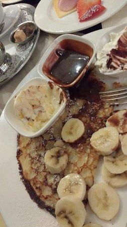 Tearoom Carpe Diem: Pancakes chocolate and bananas