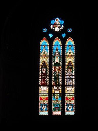 Cathedral (Duomo di Gubbio): vetrata