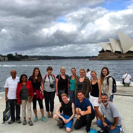 The Welcome Walking Tours' Free Tour of Sydney in front of Sydney Harbour