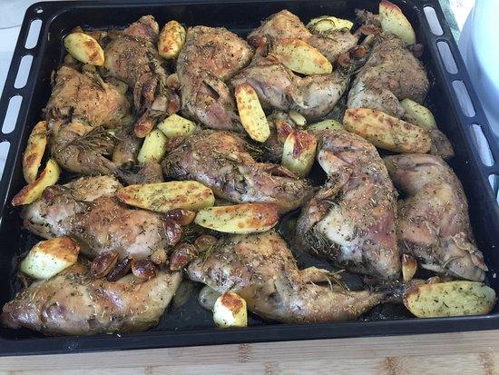Prevessin Moens, Francia: Bonjour, nous proposons aussi poulet fait maison👍