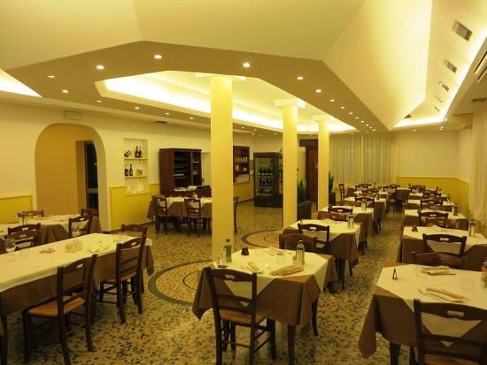 Trattoria Pizzeria La Fiorentina: Sala