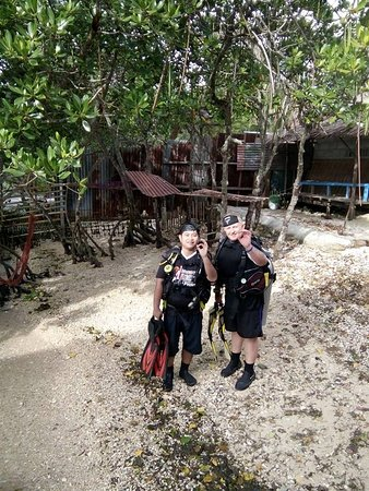 Alegria Dive Resort: getting ready for the first dive