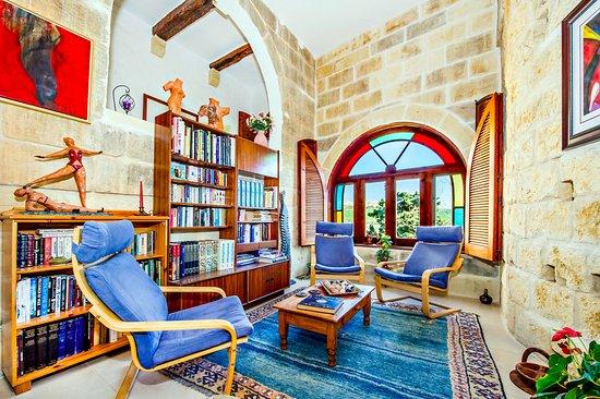 Dar tal-Kaptan Boutique Maison: Library