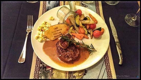 "Fillet Steak ""Rossini"" . Essstube Saas-Fee."