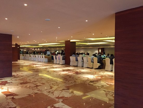 Radisson Salem: Salem Crown , Huge function hall - Inside view 2