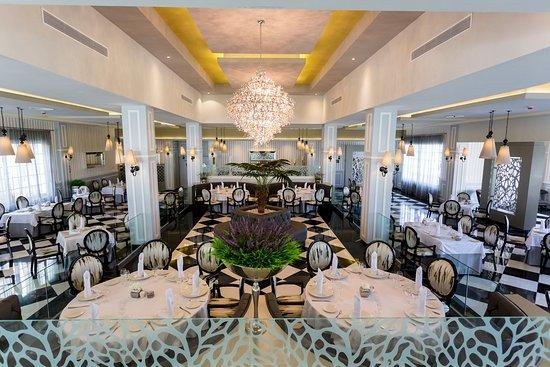 Luxury Bahia Principe Bouganville: Restaurante Gourmet