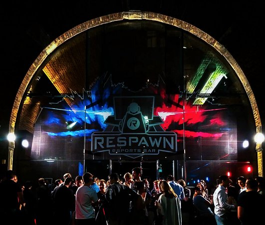 ‪Respawn eSports Bar‬