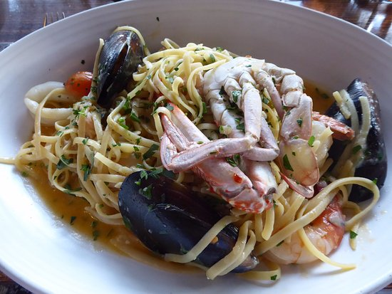 Waterfront: Seafood linguini