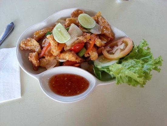 BObi's Restaurant & Cafe: sweet and sour fish