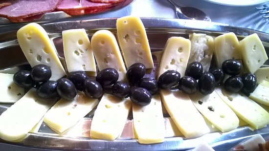 Orasac, Κροατία: Home made cheese and olives
