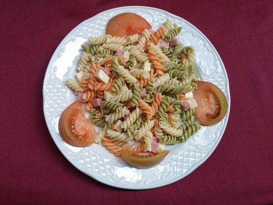 Restaurante Cobas: plato de ensalada de pasta