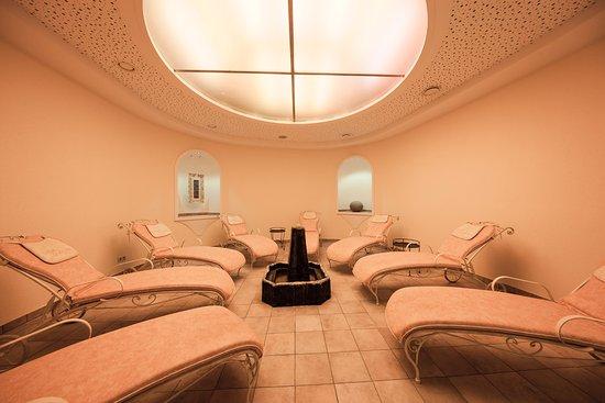 Hotel Regitnig: Relaxbereich mit Solebrunnen im Wellness