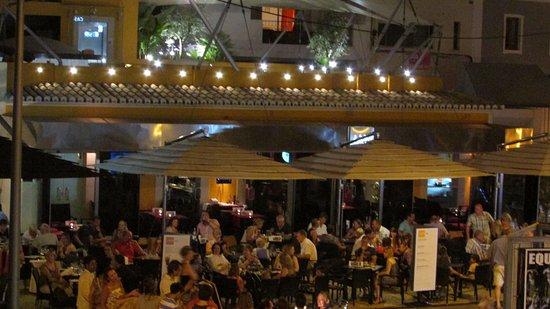 JAN Restaurante: JAN front at night