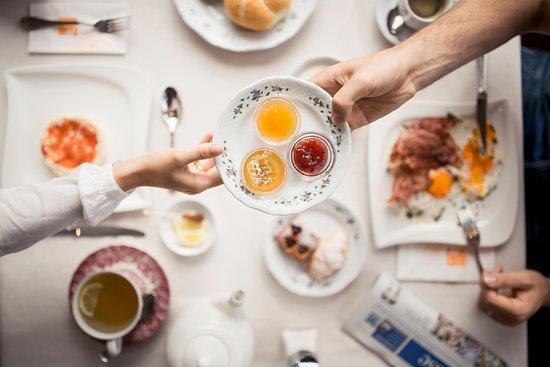 Hotel Regitnig: Reichhaltiges Frühstück mit vielen hausgemachten Produkten