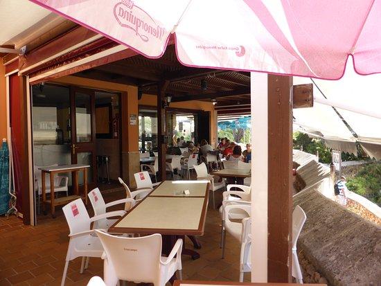 Restaurant Es Canutells: Nice terrace