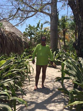 Isla del Pirata: CAMINHO PARA O RESTAURANTE