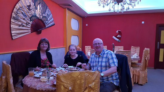 Jumbo Chinese Takeaway and Restaurant: Excellent service..lovely food..great room atmosphere (music/deco) We will be returning .. Dave