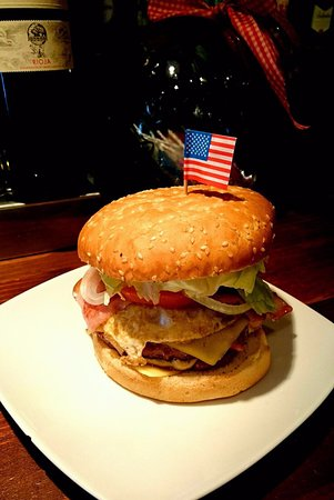 Pizzeria Rinachentto: Hamburguesa Americana